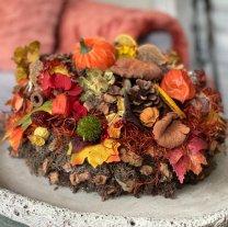 Pakket; Rijkelijk gevulde Chocolade taart met warme herfsttinten 25cm