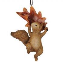 Hanger Bruin Eekhoorntje hangend aan blad, 12cm