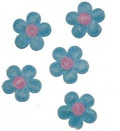 Lichtblauw bloemetje met roze hart, 12 stuks, 2,5cm