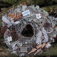 UITVERKOCHT; Winterse berkenblad krans met decoratie, 40cm