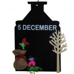 PAKKET; Krijtbordje, 5 december met losse decoratie, 18cm