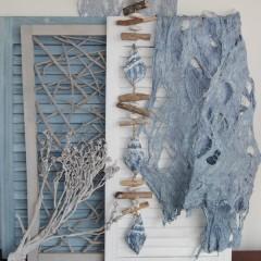 Laatste! Hanger met drijfhout, stenen en blauwe houten schelpen, 90cm