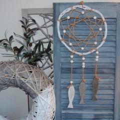 Dromenvanger wit met turquoise houten kralen, 29cm