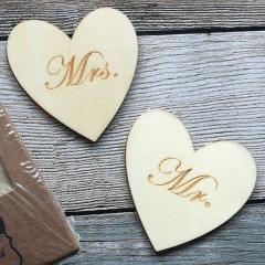 Set houten hartjes Mr, Mrs, rond model, 6cm